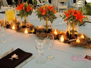 как украсить свадебный стол цветами