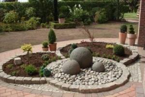 Украсим садовый участок самостоятельно