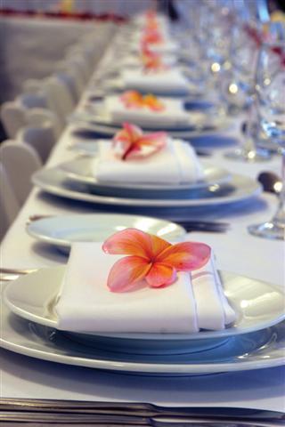 Украшения своими руками свадебного стола