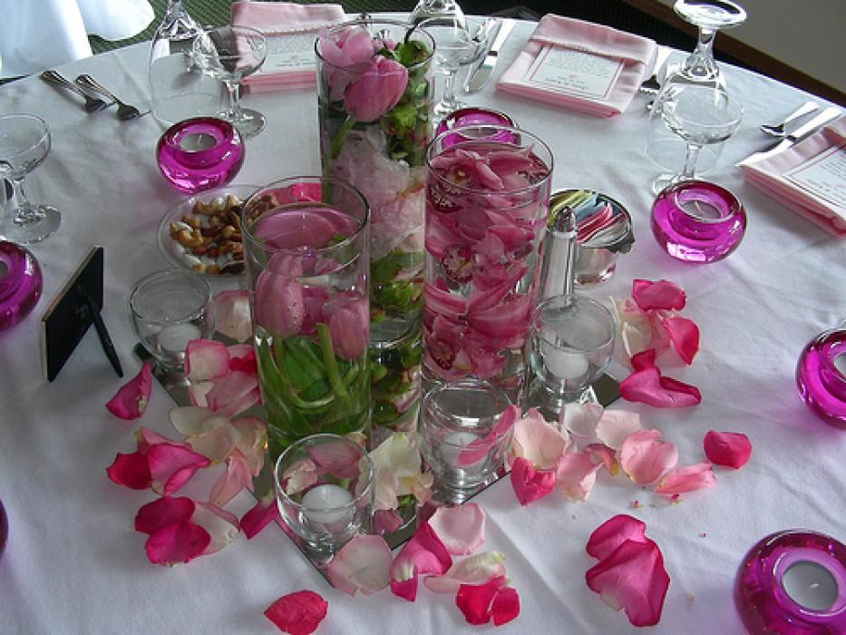 Как красиво украсить стол на свадьбу фото