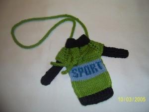 чехол на телефон свитер