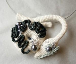 украшаем шею оригинальным вязанием