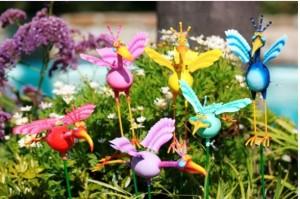 делаем фигурки для украшения сада