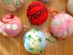 новогодние шерстяные шарики