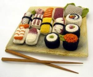 вязаные суши и роллы