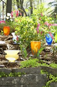 вазы в качестве садовых фонарей
