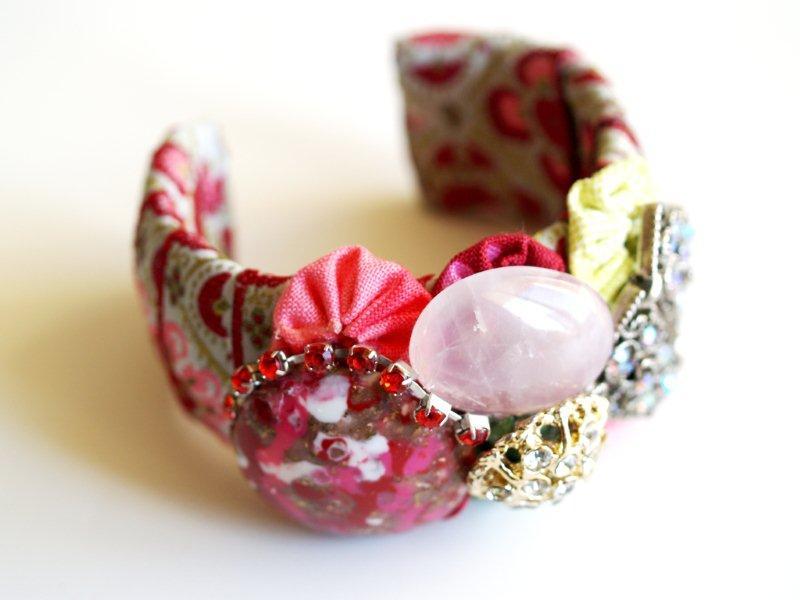 Красивый самодельный браслет