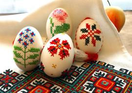 Декор яйца вышивкой