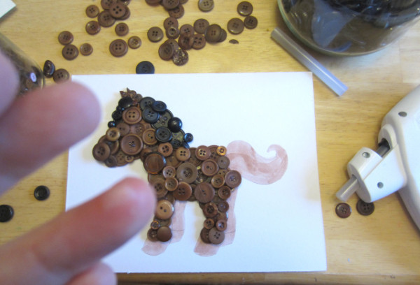 Лошадка из пуговиц своими руками