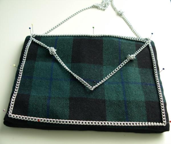 Клатч из модной шотландки