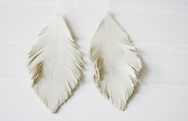 Кожаные сережки-перышки