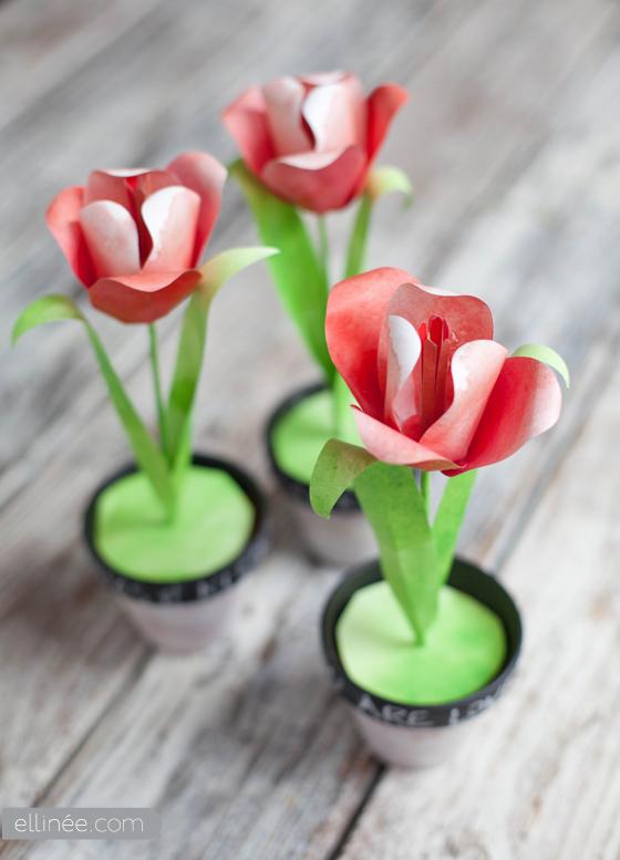 Декоративный тюльпан из бумаги