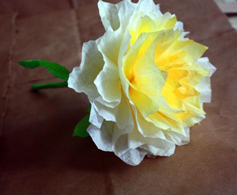 Цветок из бумажного фильтра