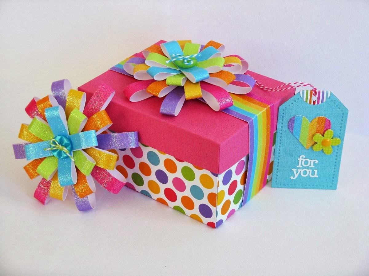 Как упаковать детский подарок