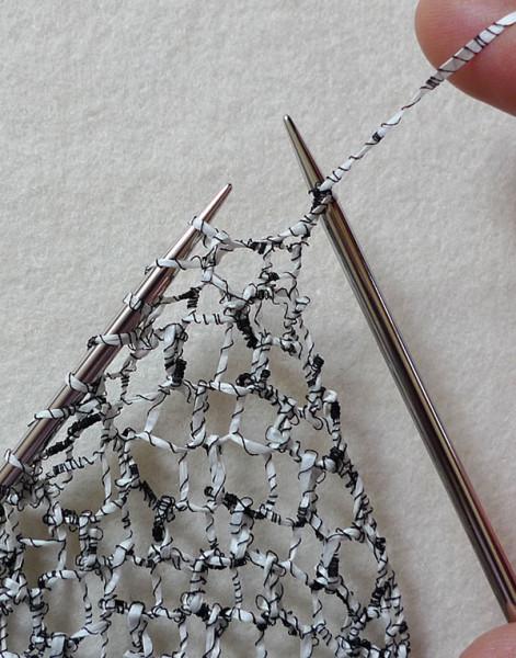 Как связать сетчатый шарф