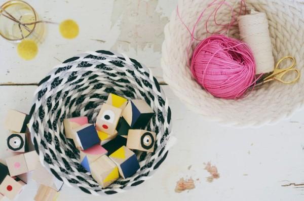 Декоративные корзинки из шнуров