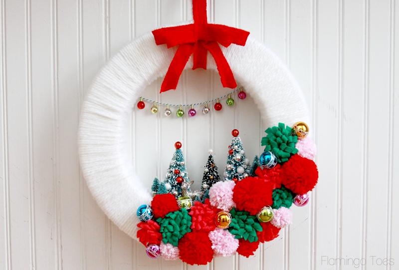Венок новогодний своими руками из лент