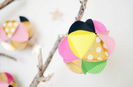 Декоративный шар из бумаги
