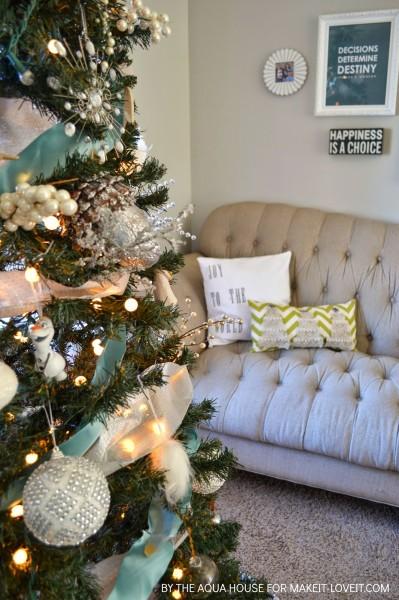Праздничные диванные подушки