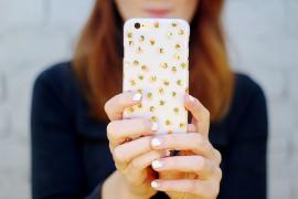 Необычный декор смартфона