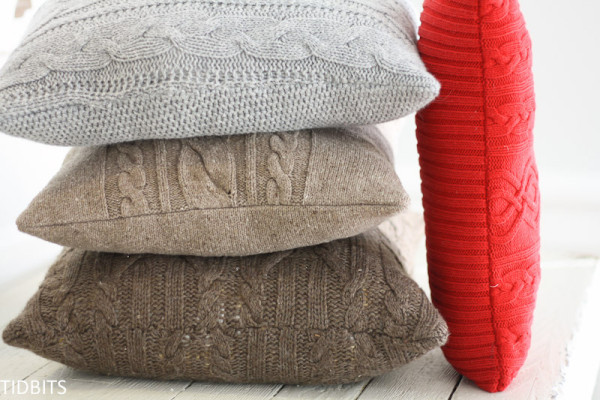 Диванные подушки из свитера