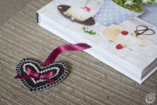 Закладка в подарок на День Валентина